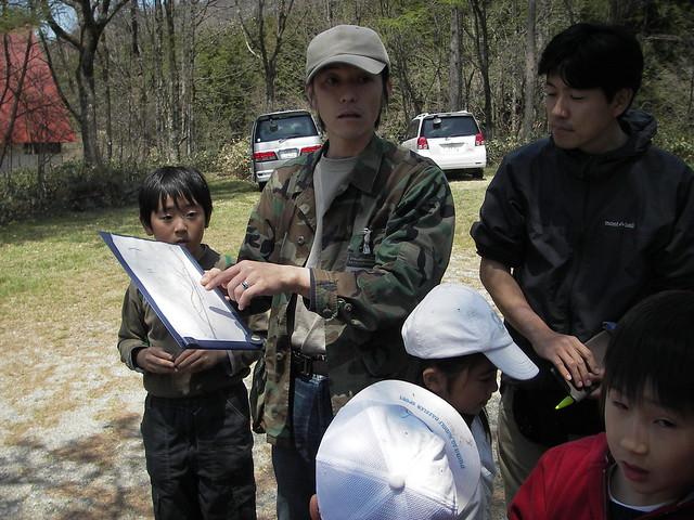 2班は東側でいくつかの卵塊を見つけた.やはり山裾が重要な場所らしい.