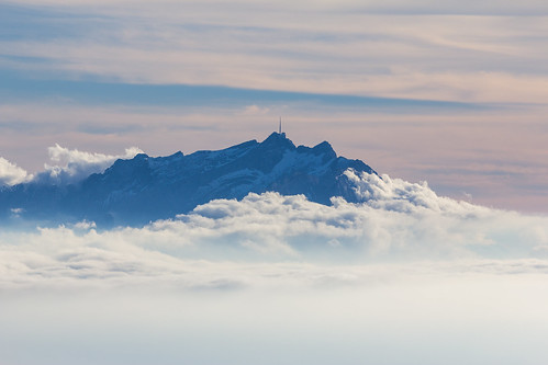 blue sky cloud mountain berg fog canon eos flickr nebel view ride air hotair ballon balloon wolken elite dslr luft gebirge säntis flug heissluftballon aufnahme 60d flickrelite canoneos60d