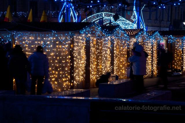 Steaua sus răsare cu un bokeh mare. Experimentând defocalizarea luminițelor de Crăciun 11258556095_56475b3f65_z