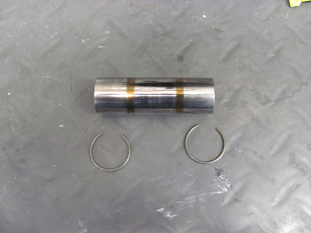 Frozen Wrist Pin and C-rings
