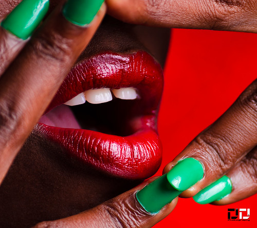 christmas red green colors studio teeth lips ghana accra strobist strobing dextdee