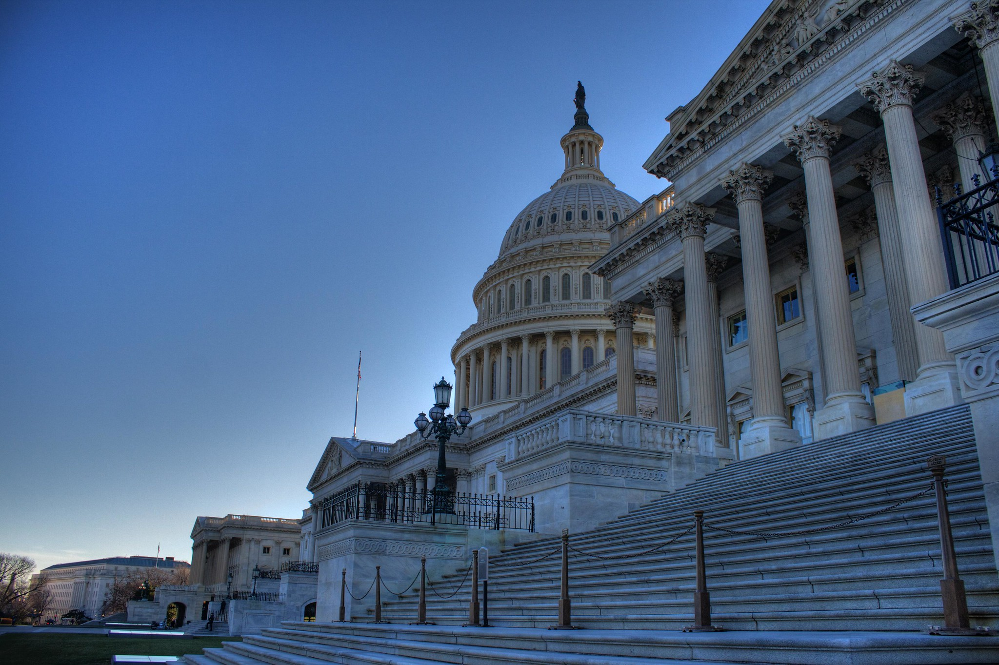 United States Capitol, Washington DC (December 2013) [OC] [2048x1364]