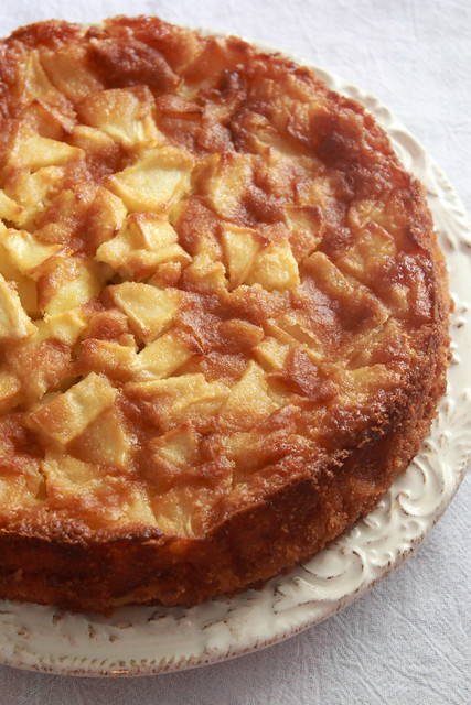 Ria's Collection: FRENCH APPLE CAKE