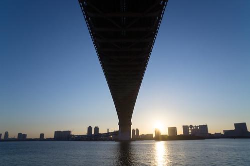 bridge japan zeiss sunrise tokyo sony 日本 東京 tokyobay rainbowbridge 橋 初日の出 レインボーブリッジ shibaura nex α 日の出 港区 東京湾 朝日 芝浦 minatoward ソニー nex5n sel1670za variotessart*e1670mmf4zaoss e1670mmf4zaoss