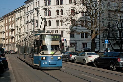 Wagen 2114 als Linie 19 auf Umleitung am Mariannenplatz