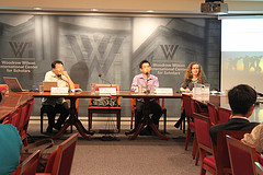 協會伙伴在威爾遜國際學者中心的座談會中,接受與會學者的提問。