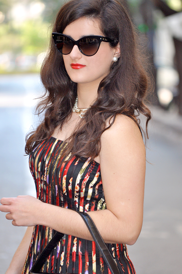 something fashion lace vintage black dress, valencia place design dress spain blogger, handbag burberry white jacket, dior mohotani sunglasses fashionblogger