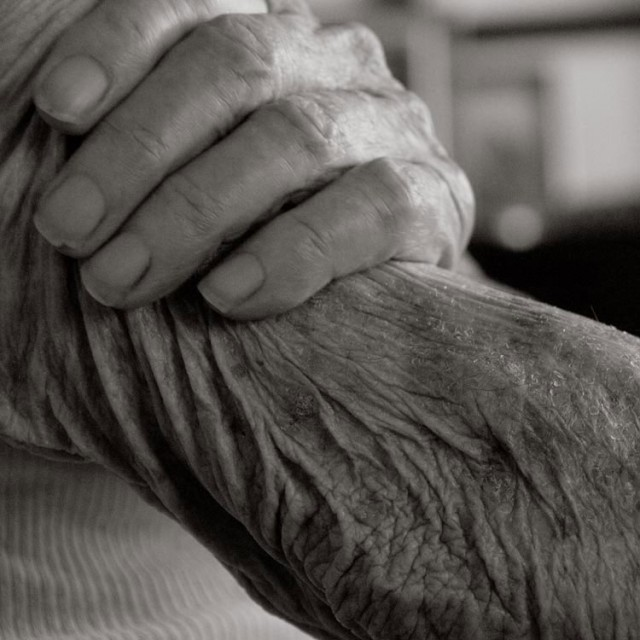 Photography-of-a-centenarian-13-640x640