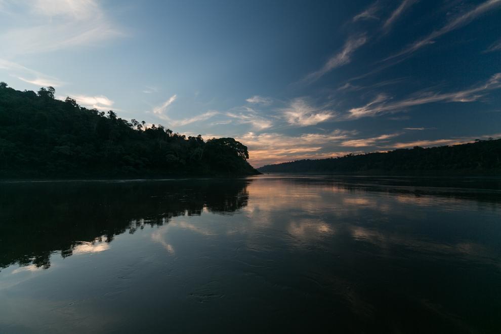 El caudaloso Río Paraná ofrece un medio de subsistencia para muchos pescadores de Ita Verá. (Tetsu Espósito)