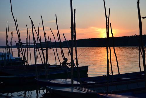 sunset sun water 35mm boat fishing nikon duna danube dunav smederevo d3100