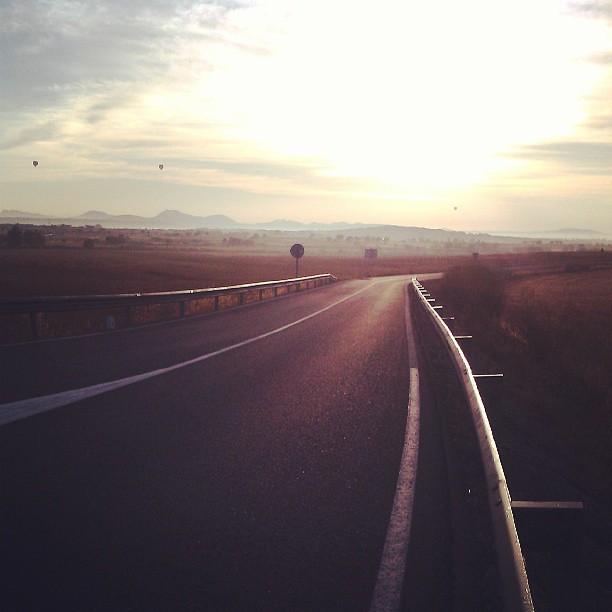 Bon dia! Bona nit, @merryvine ! :) #sunrise #airballoon #mallorca