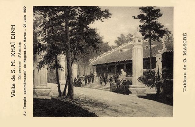 Vua Khải Định viếng Đền kỷ niệm tử sĩ Đông Dương tại Nogent-sur-Marne, Pháp. 29-6-1922