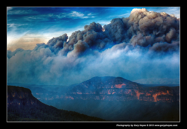 Bushfire from Evans & Govetts, Blue Mountains, Canon 5D3 2522