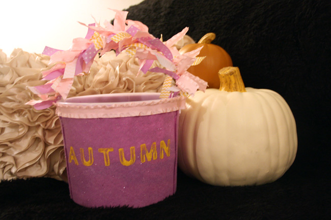 Autumns-Tub-by-Pillow