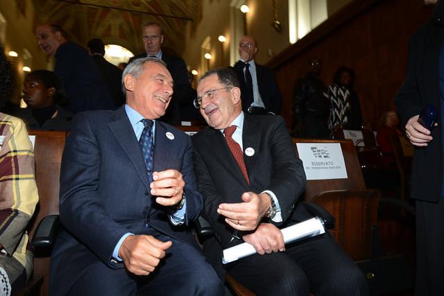 Si consolida l'accordo tra Matteo Renzi e Silvio Berlusconi