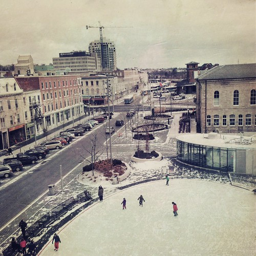 Morning skate in Market Square by @klawrenc