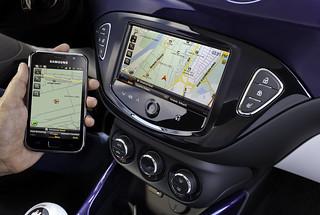 Opel ADAM mit IntelliLink und BringGo-App