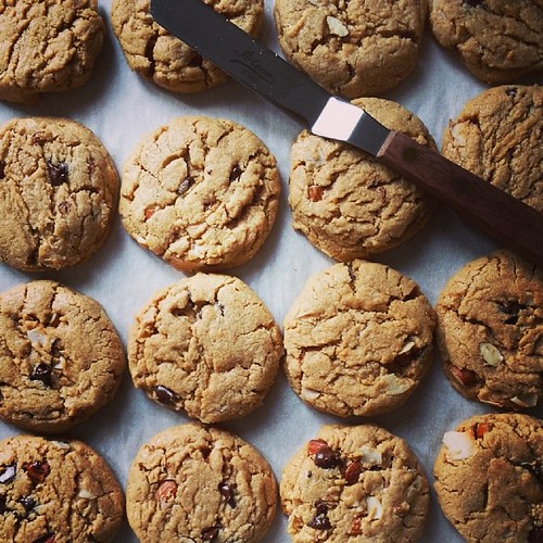 Almond butter, dark chocolate & coconut cookies will be my date tonight at karaoke party. @food52 recipe saves the day.