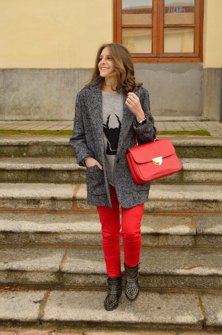 lara-vazquez-madlula-blog-style-fashion-red-trousers-bag