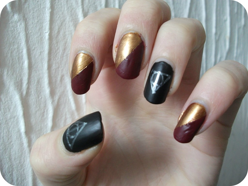 NOTD Deathly Hallows Gryffindor Harry Potter