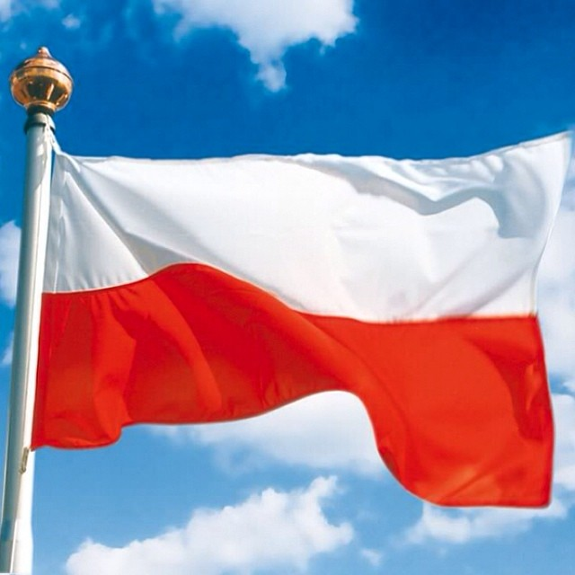 ⚪Dzień Flagi Rzeczypospolitej Polskiej ⚪Polish Flag Day ⚪Jour du drapeau polonais ⚪ #ProudToBePolish ♥#Polska #Poland #DzieńFlagi #FlagDay #love #Homeland #WhiteAndRed