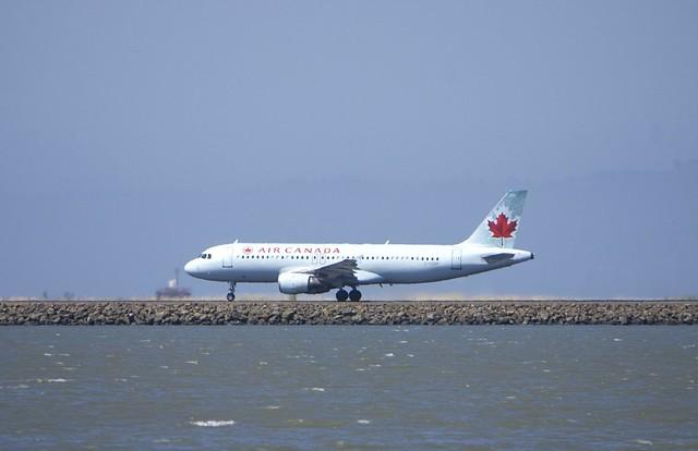 Airbus Air Canada A320 C-FDRP rolling, Runway 28L, SFO DSC_0776