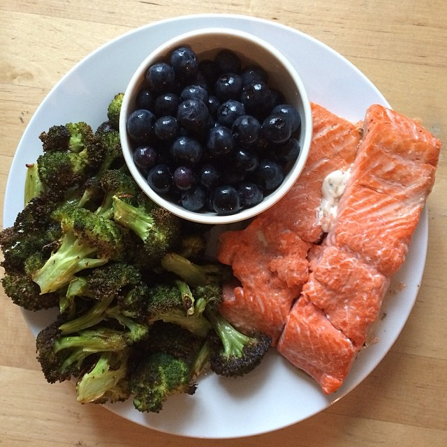 Day 13, #Whole30 - dinner (broiled salmon, roasted broccoli, and blueberries)
