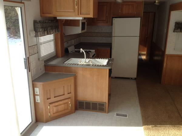 Good I Am Selling A 2000 Skyline Layton Park Trailer, Model 3975. Comes With  Working Fridge, Microwave And Propane Stove. Very Clean, Working Heat, ...