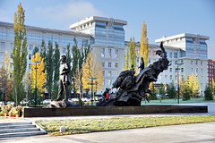 [2013-10-22] Mustay Karim monument