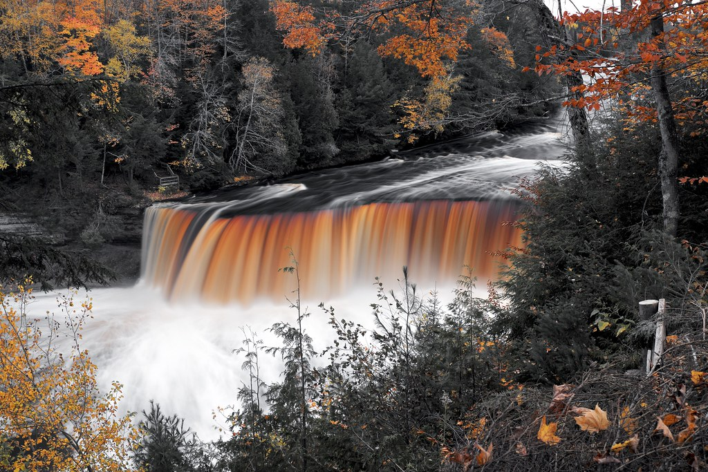 Whitehouse landing m chigan around for Cabins near tahquamenon falls