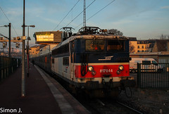 BB 17044 à Pontoise au matin