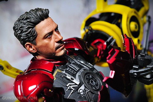 Hot Toys Iron Man 2 - Suit-Up Gantry with Mk IV Review MMS160 Unboxing - day3 (38)