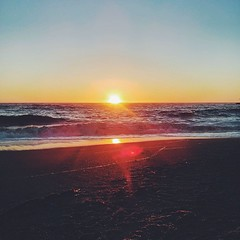 Yesterday.... I loooove sunsets