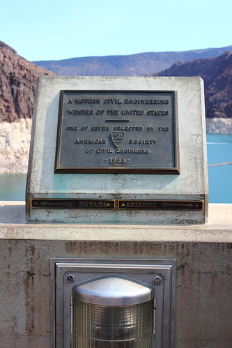 Border between Nevada and Arizona at Hoover Dam