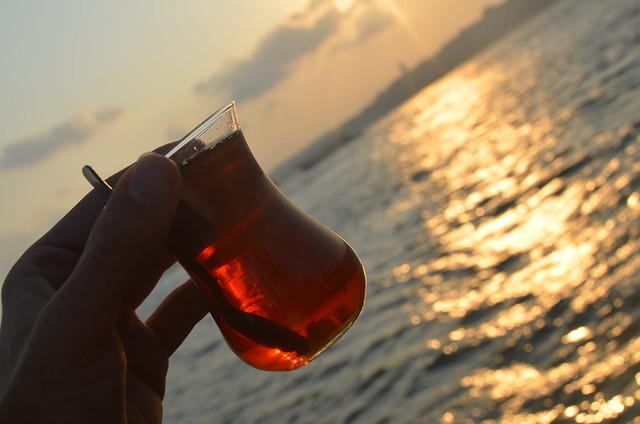 Tomando un té en Uskudar