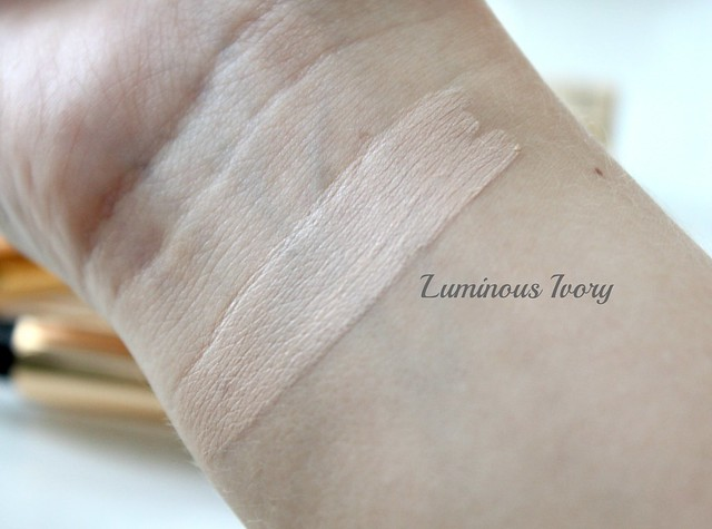YSL touche eclat Luminous Ivory swatch