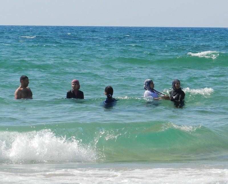 Так купаются мусульманские женщины