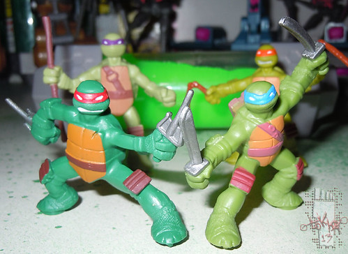 Nickelodeon TEENAGE MUTANT NINJA TURTLES :: MINI TURTLE FIGURE 4-PACK v (( 2014 ))