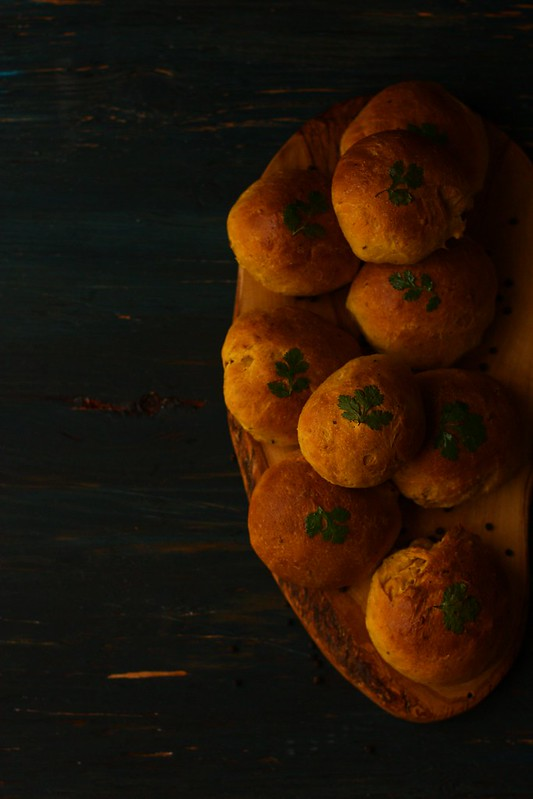 SPICED PEPPER PUMPKIN DINNER ROLLS