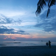 Sunset on the beach! #Thailand #tropical #beach