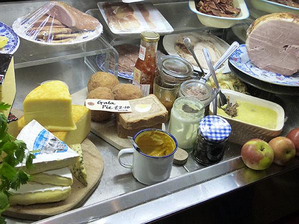 pâté et fromages