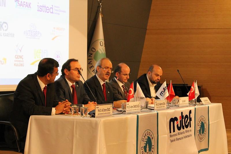 İstanbul'un Kimliği ve Kentsel Dönüşümü Üsküdar Üniversitesi'nde tartışıldı