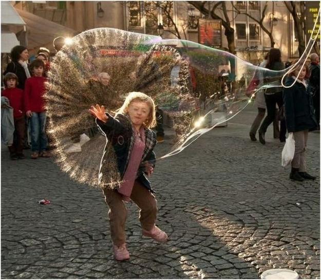 The perfectly timed bubble-popping picture: