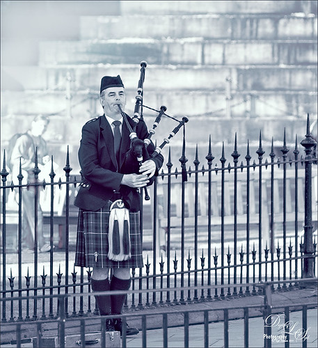 Image of Bagpipe Player in Edinburgh, Scotland