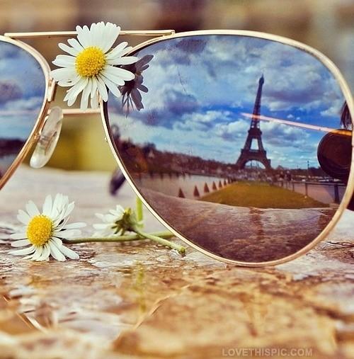 14075-Eiffel-Tower-Reflection