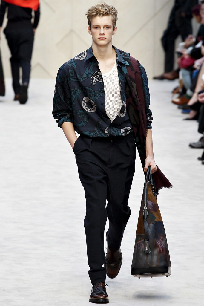 FW14 London Burberry Prorsum024_Hamish Quigley(VOGUE)