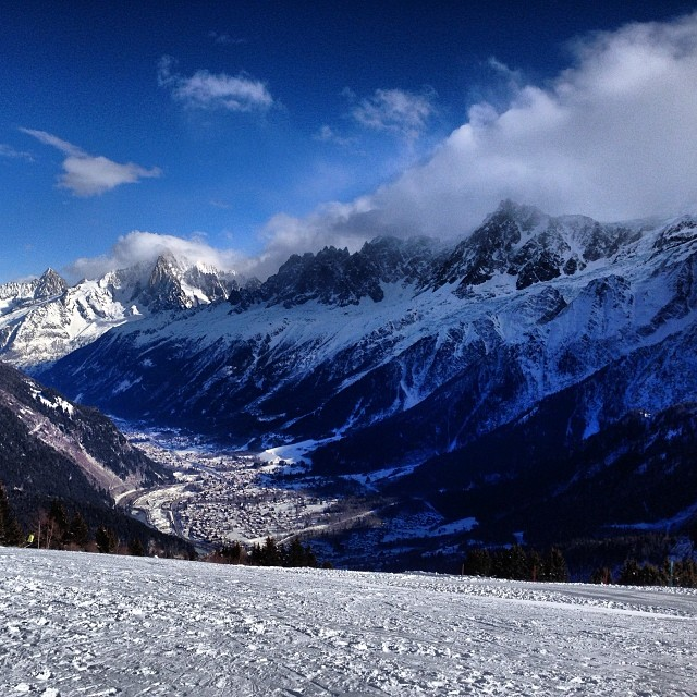 Perfect skiing day in new boots. They are totally worth it #skiing #leshouches #chamonix