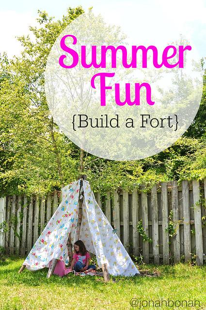 Summer Fun {Build a Fort}
