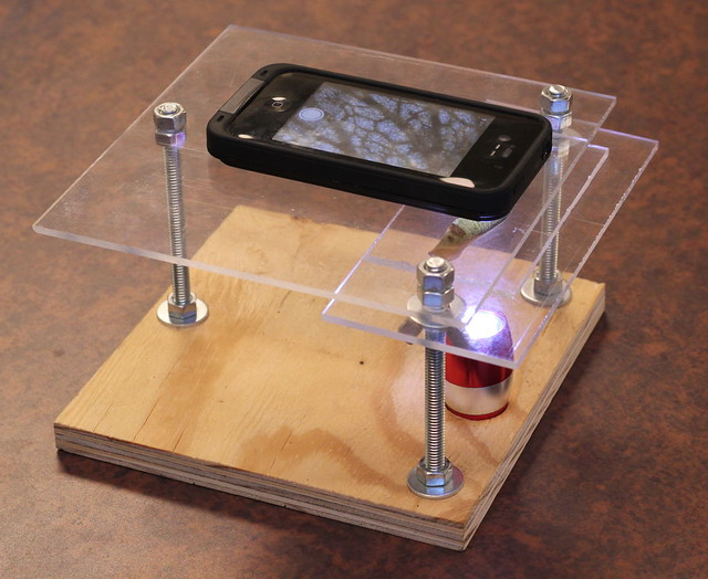 Transformer sa tablette en microscope pour quelques euros