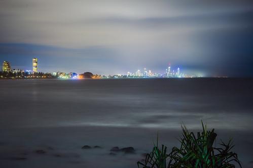 longexposure sea sky water skyline night landscape lowlight goldcoast slowshutteronwater